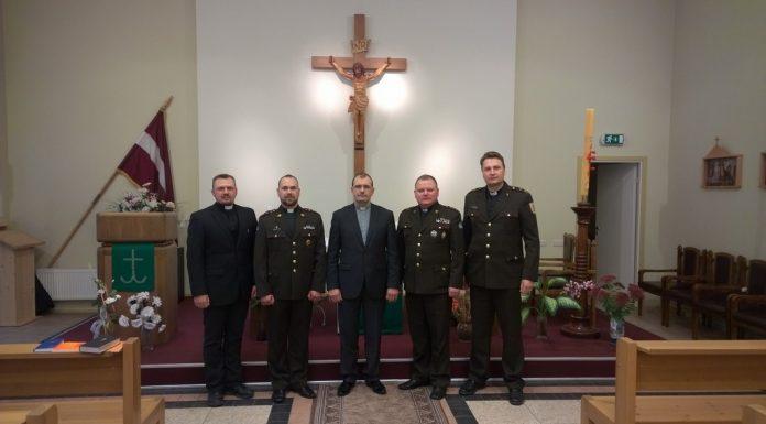 Latvijas armijas kapelāni | Interesanti.eu