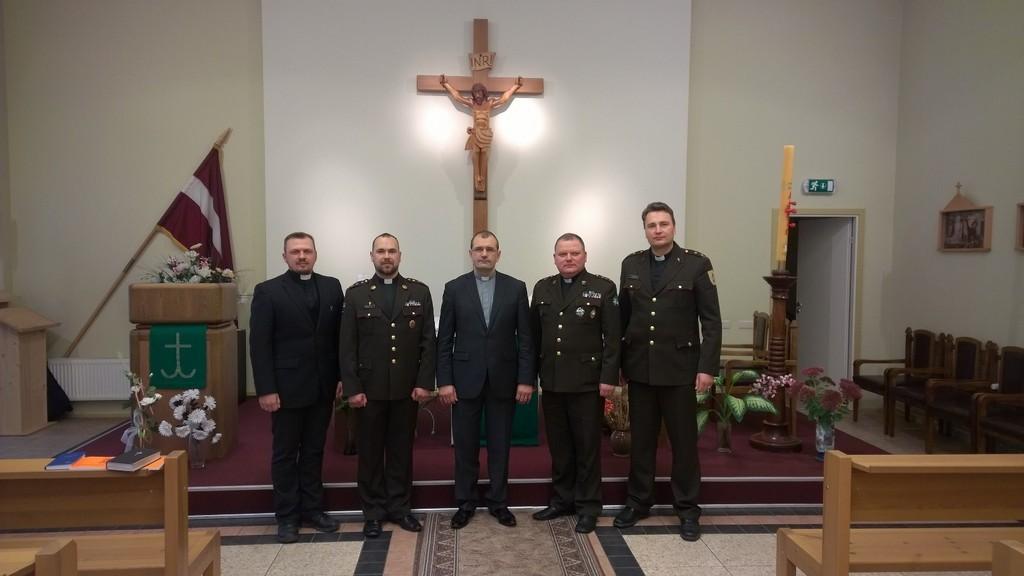 Par Dievu un Tēvzemi. Latvijas armijas kapelāni.